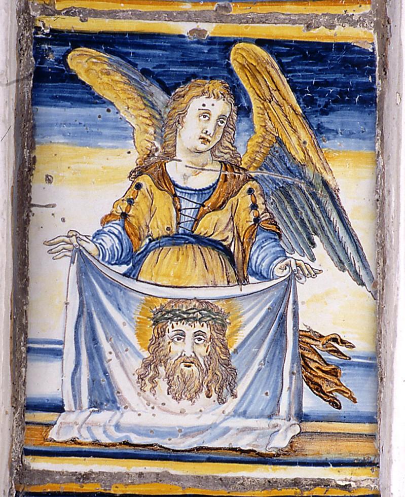 Ambito castellano sec. XVII, Formella con Angelo che sorregge la Sacra Sindone