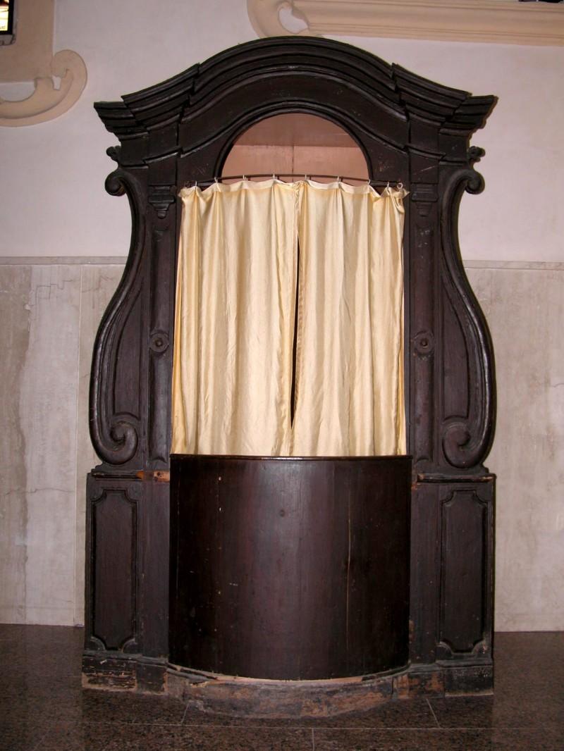 Ambito salentino sec. XIX, Confessionale legno