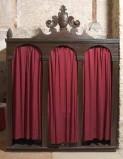 Bott. veneta sec. XVIII, Confessionale con fastigio a cartella