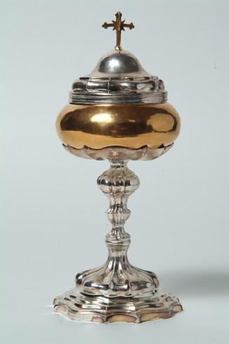 Bott. veneta sec. XVIII, Pisside con crocetta apicale
