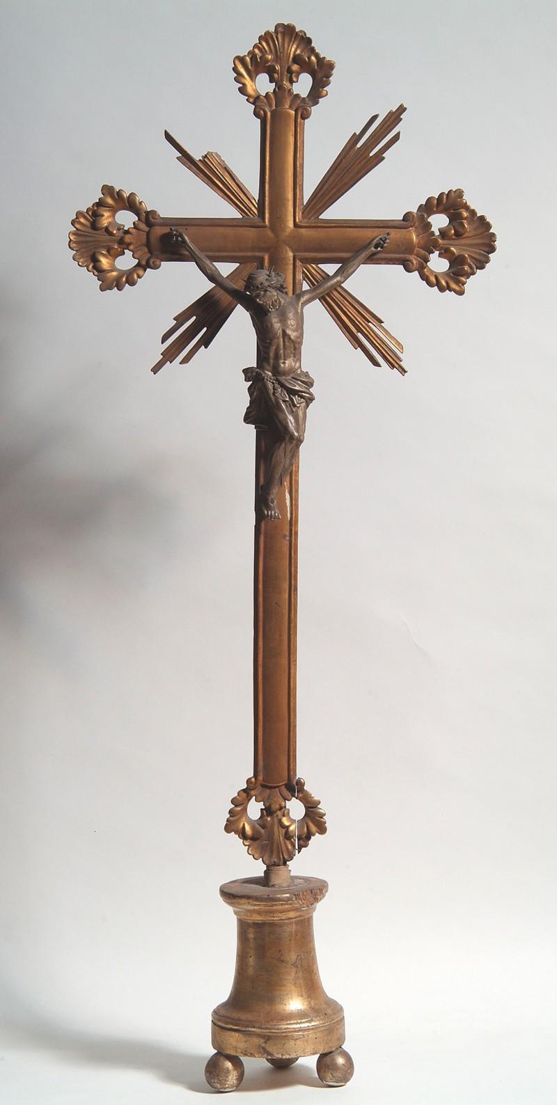 Bott. veronese sec. XIX, Croce d'altare con terminazioni a conchiglia