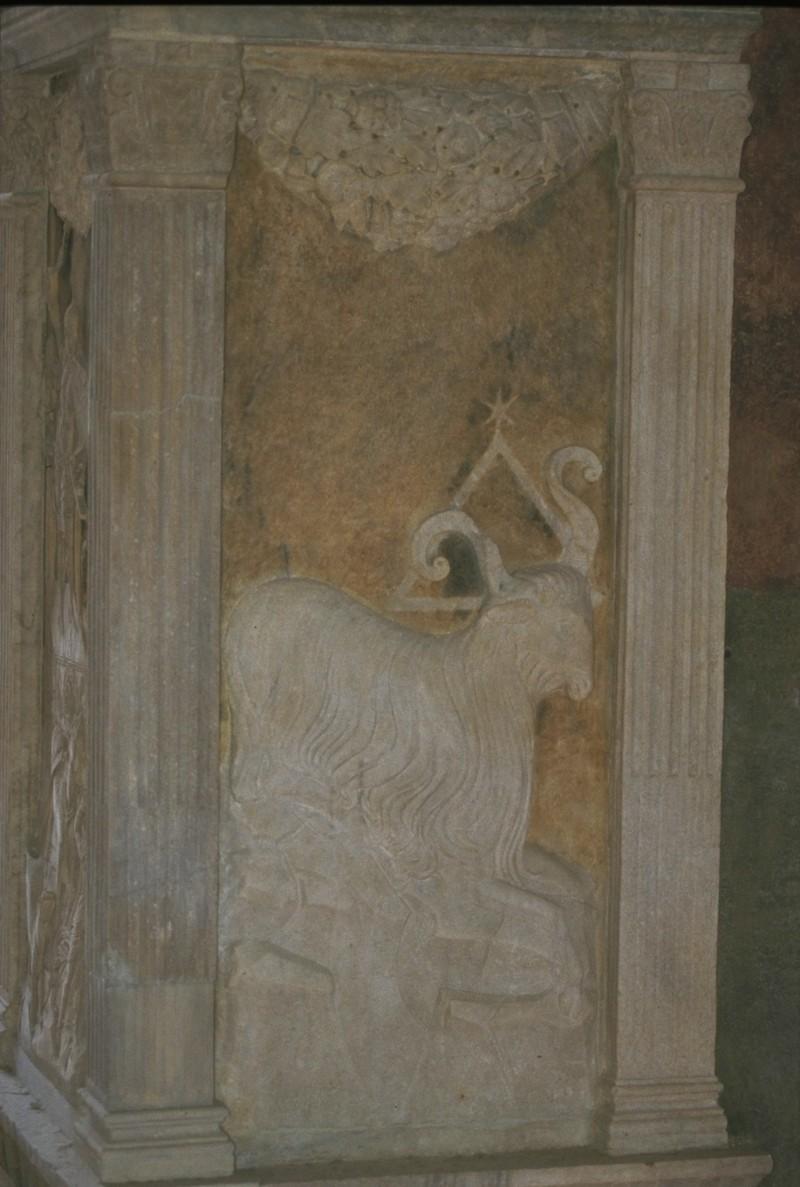 Agostino di Duccio (1454-1457), Bassorilievo con il segno zodicale dell'Ariete