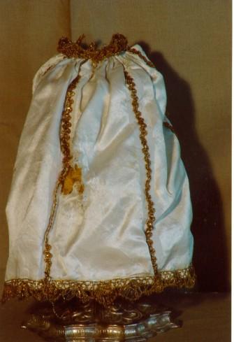 Manif. italiana sec. XIX seconda metà, Canopeo da calice in seta bianca