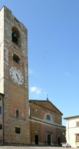 La facciata principale della Chiesa di Santi Marziale Faustino e Giovita a  Colle Di Val D'elsa
