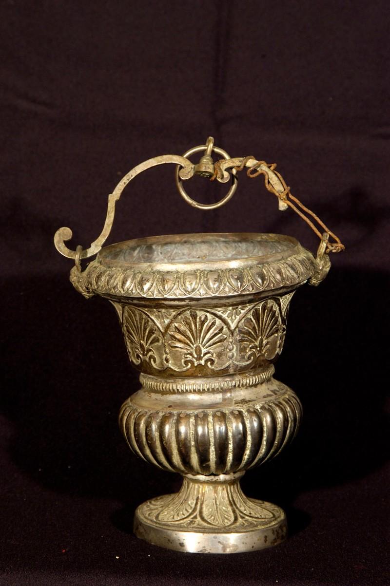Bott. campana fine sec. XIX, Secchiello in argento sbalzato