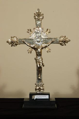 Buonacquisto G. B. (1714), Croce astile in argento sbalzato