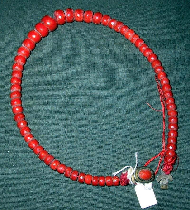 Ambito italiano sec. XX, Collana di corallo della Madonna