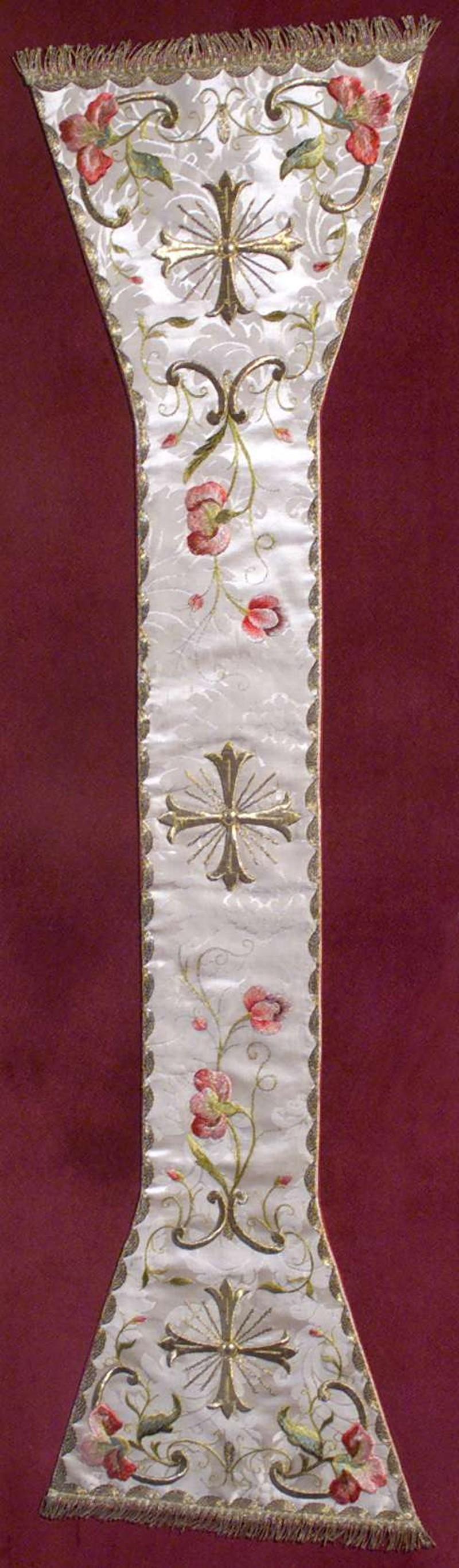 Manifattura lombarda sec. XVIII, Manipolo bianco in damasco ricamato 2/2