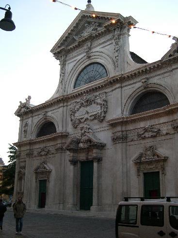 La facciata della cattedrale di Santa Maria Assunta a Savona