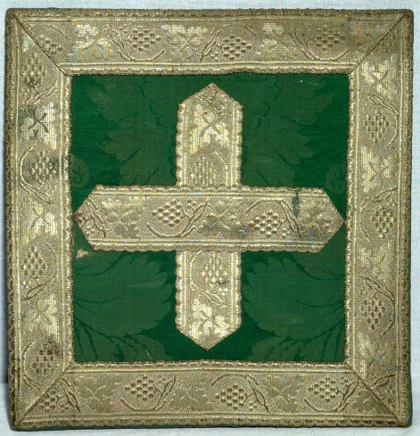 Manifattura lombarda sec. XX, Borsa verde in damasco e raso ricamato