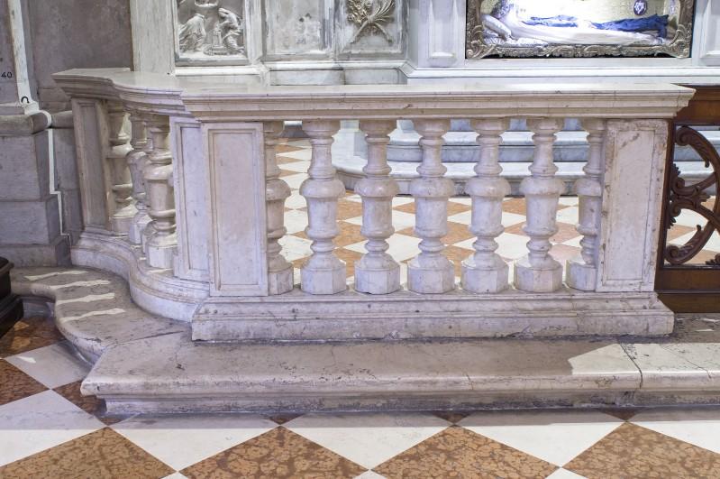 Bottega friulana sec. XVIII, Balaustra in marmo 1/2