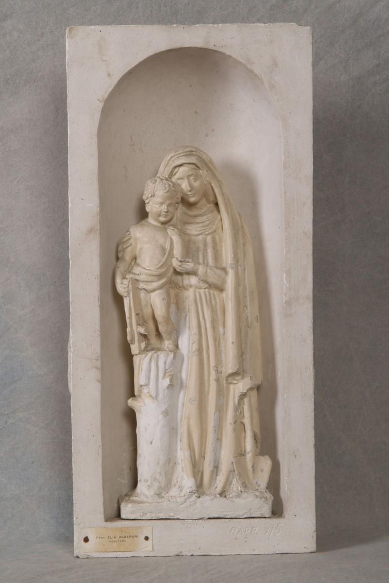 Alberani E. sec. XX, Statua della Madonna con Gesù Bambino in nicchia