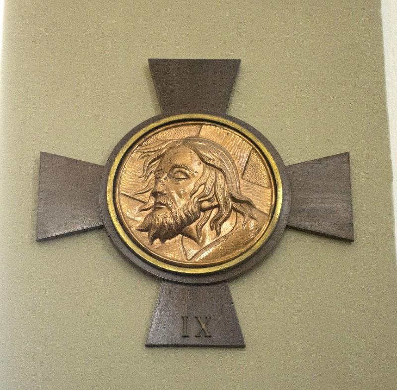 Ambito italiano sec. XX, Croce stazionale con Volto Santo 9/14