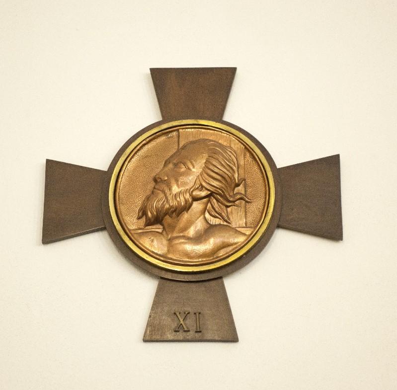 Ambito italiano sec. XX, Croce stazionale con Volto Santo 11/14