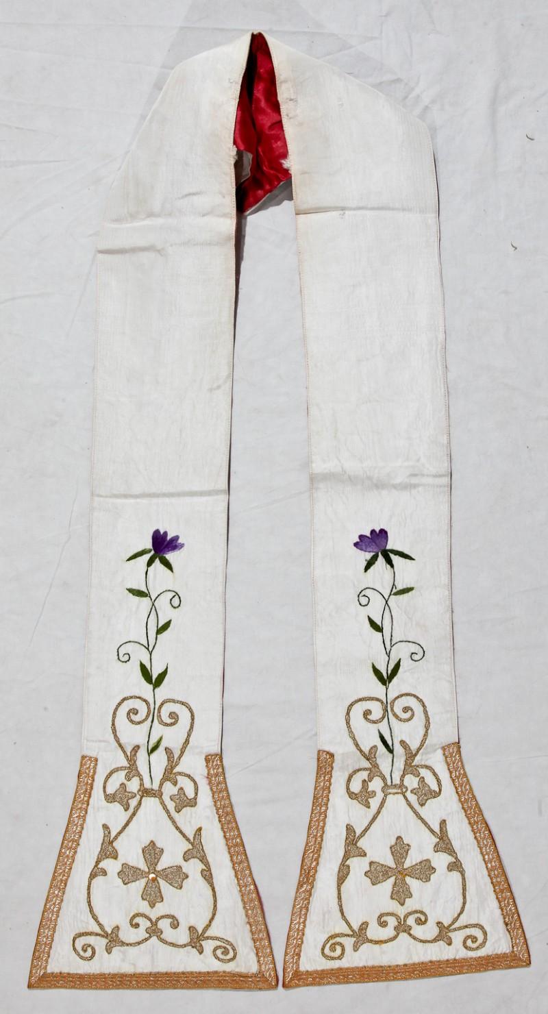 Agenzia parrocchiale italiana sec. XX, Stola in taffetas bianco ricamato