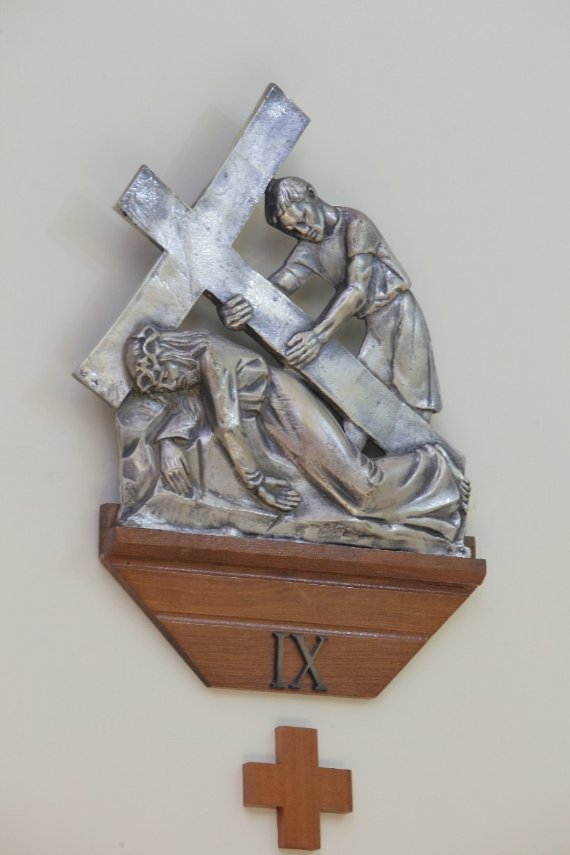 Alesco (1976), Via Crucis di Gesù che cade la terza volta