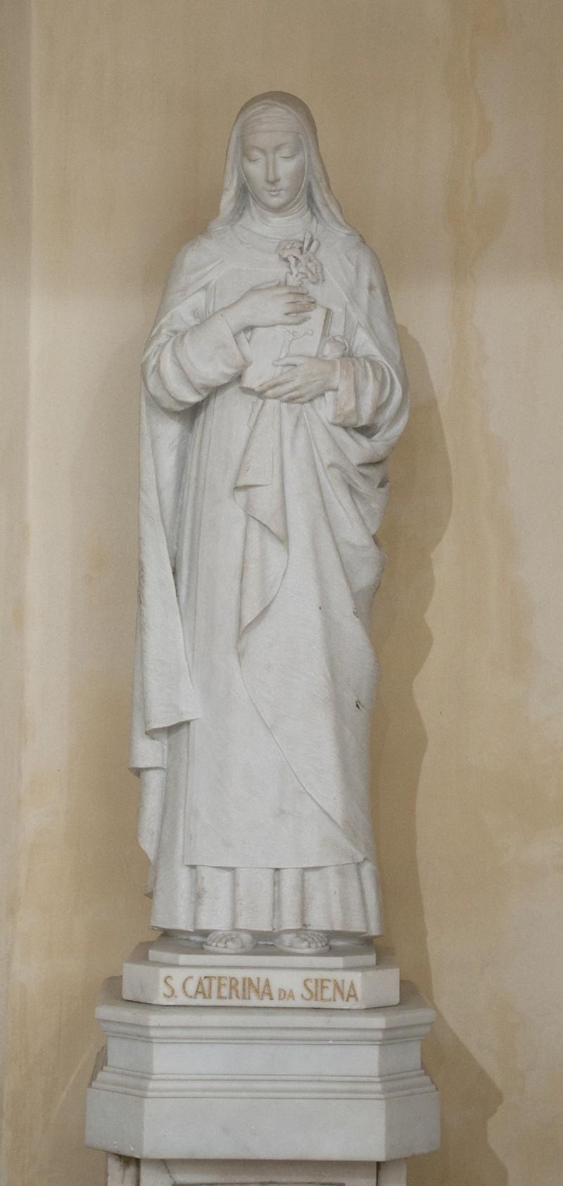 Adani C. sec. XX, Statua marmorea di Santa Caterina da Siena