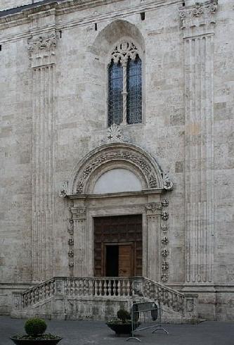 La Porta della Musa della cattedrale di Sant'Emidio ad Ascoli Piceno