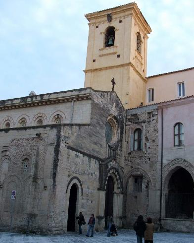 La facciata principale della Chiesa di Madonna di Romania a Tropea