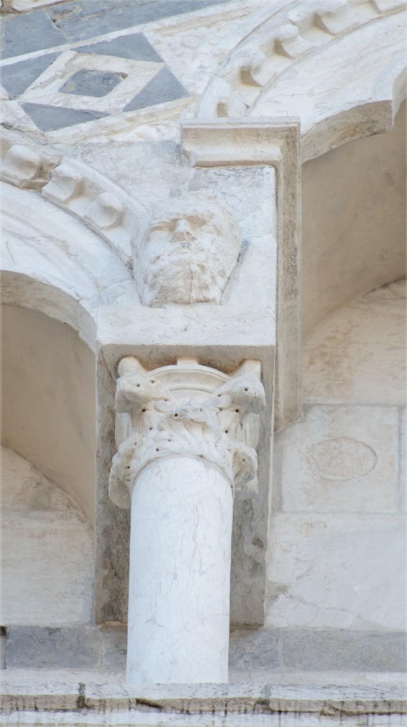 Agnelli G. sec. XIV, Capitello 2/31