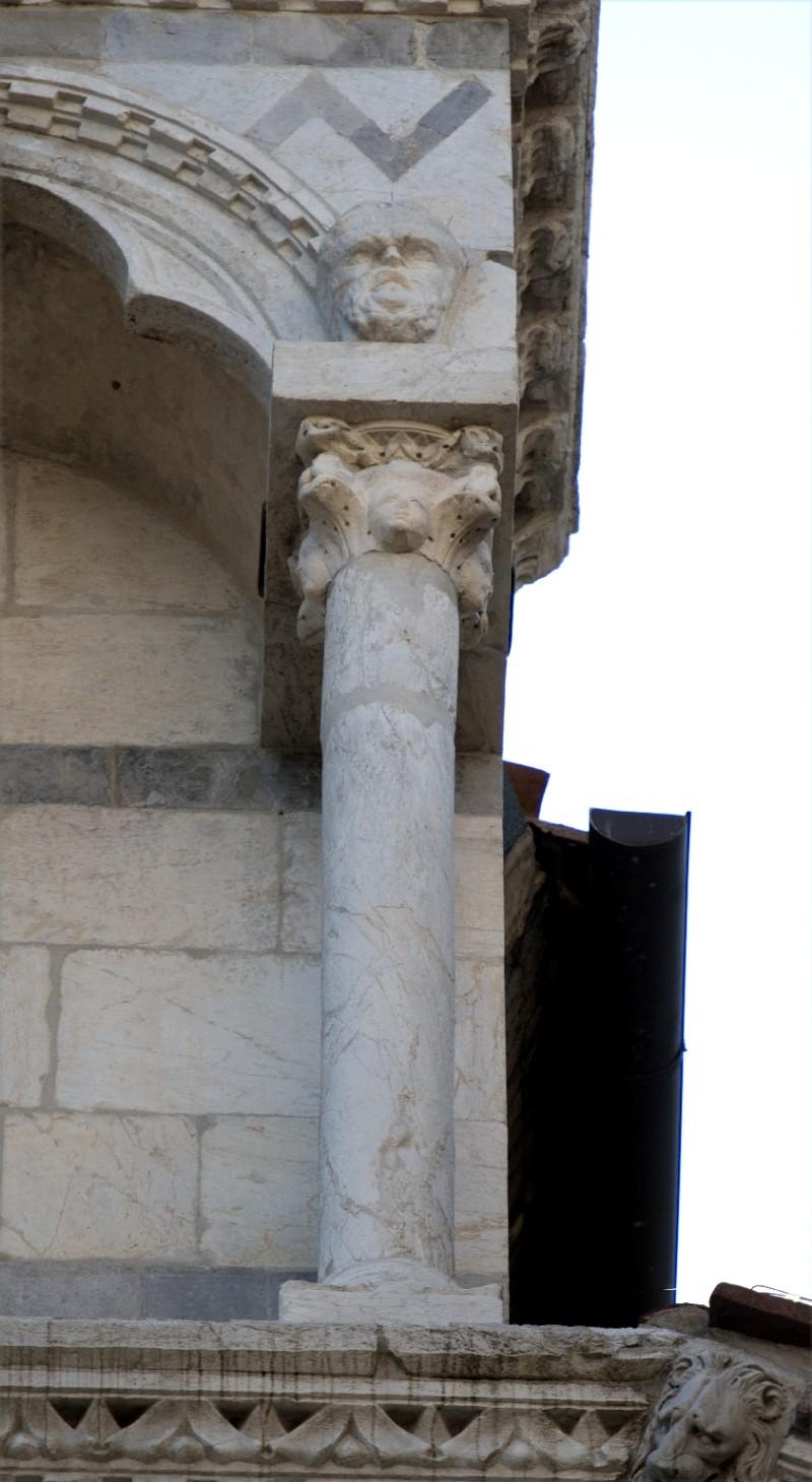 Agnelli G. sec. XIV, Capitello 18/31