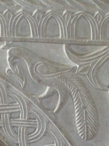 Lacerto marmoreo raffigurante la fenice