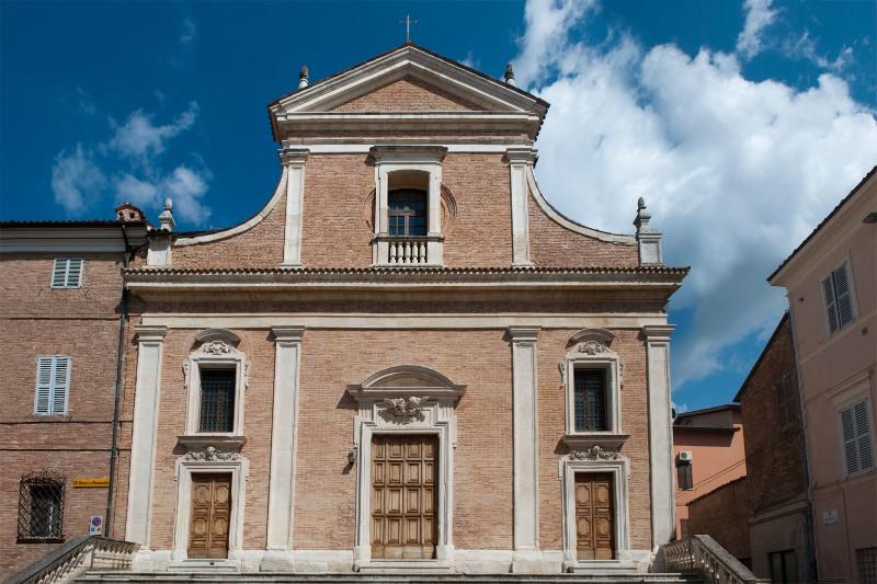Chiesa dei Santi Biagio e Romualdo <Fabriano>