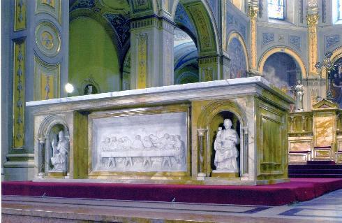 La mensa dell'altare maggiore traslata in avanti