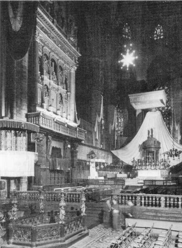 Foto storica del presbiterio Carliano