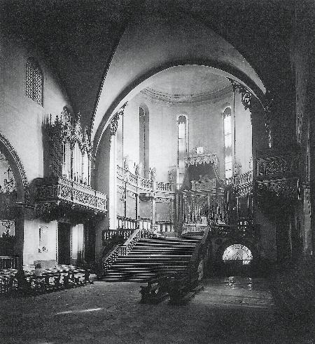 Il presbiterio prima del 1944
