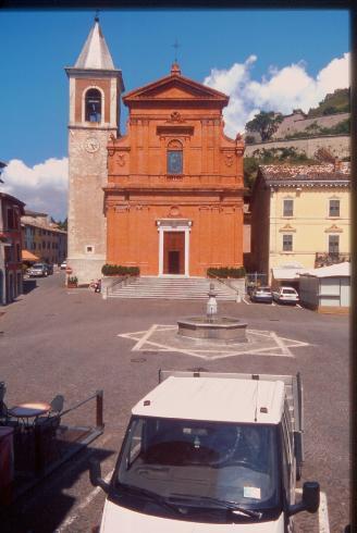 La facciata della cattedrale di San Pio V