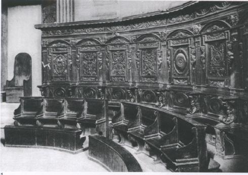Il coro ligneo cinquecentesco, foto del 1925, Archivio dell'Università del Carnevale, Velletri