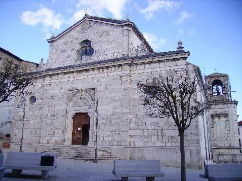La facciata  principale della Chiesa di Natività di Maria a Bisaccia