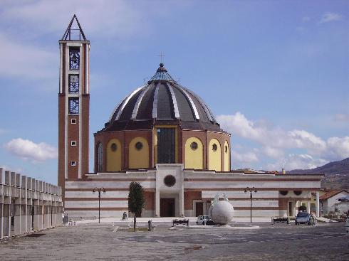 La facciata della Chiesa di Santa Maria Assunta a Conza