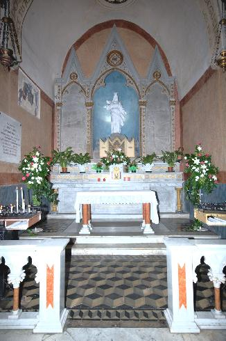 Vista interna, cappella della Madonna del Rocciamelone