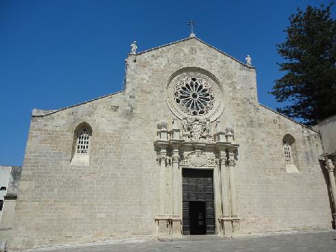 La facciata della cattedrale dell' Assunta  ad Otranto