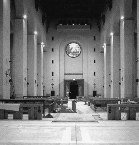 Veduta dell'aula dal presbiterio (durante i lavori di ristrutturazione del 2000)
