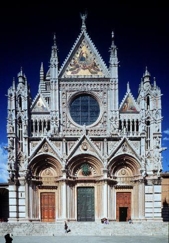 La facciata della cattedrale di Santa Maria Assunta  a Siena