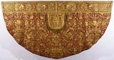 Bott. romana sec. XVIII, Piviale in samice d'oro su seta rossa ricamato 1/2
