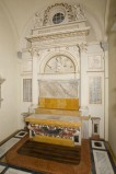 Tomba P. (1810), Altare laterale di San Terenzio