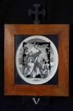 Ambito romano sec. XVIII, Cornice Gesù Cristo aiutato dal cireneo