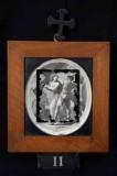 Ambito romano sec. XVIII, Cornice Gesù Cristo caricato della croce