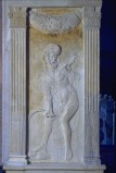Agostino di Duccio (1454-1457), Bassorilievo con pianeta Saturno
