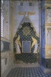 Agostino di Duccio (1454-1457), Baldacchino marmoreo con angeli