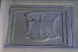 Agostino di Duccio (1454-1457), Scudo con monogramma 2/2