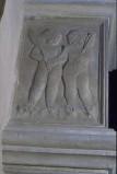 Agostino di Duccio (1454-1457), Due putti con palme