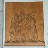 Belluomini A. sec. XX, Scultura di Gesù aiutato dal cireneo