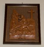 Ambito toscano sec. XX, Bassorilievo di Gesù che inchiodato alla croce