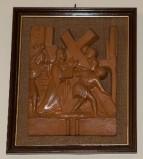 Ambito toscano sec. XX, Bassorilievo di Gesù caricato della croce