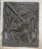 Ambito toscano (1969), Rilievo di Gesù che cade la prima volta